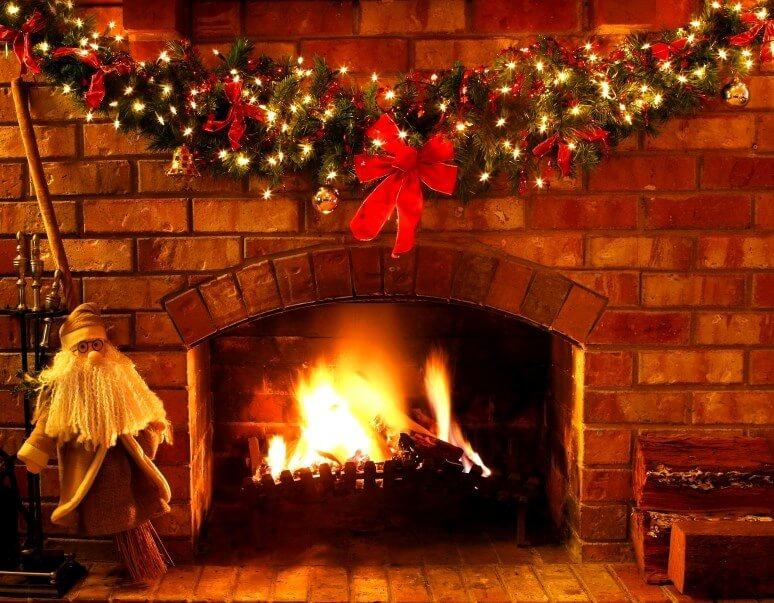 ленточки, звезды фотообои рождество у камина хочется зрительно сузить